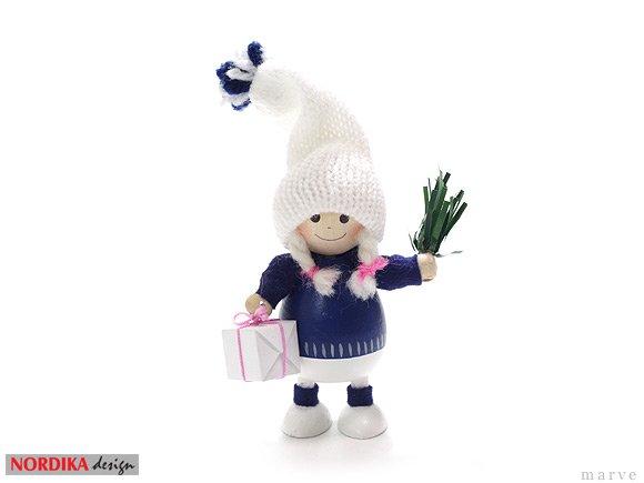 NORDIKA design ニッセドール 「プレゼントを持った胴長女の子」