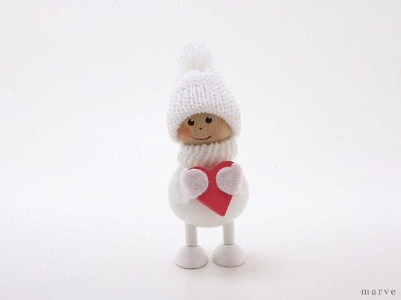 NORDIKA design ニッセドール 「ハートを抱えた白い太っちょ男の子」