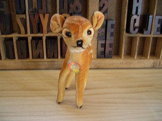 小鹿 の バンビ