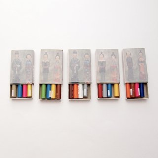『ツメサキの世界』マッチ箱の中の色鉛筆ミニはんこ(こけしバージョン)