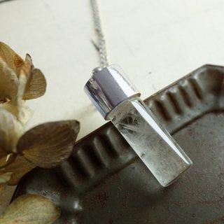 『透明屋パク』ストームグラスのネックレス(円筒型シルバー)