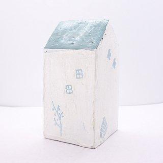 『ツメサキの世界』 白い漆喰の壁の家(大)D