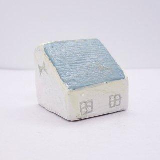 『ツメサキの世界』 白い漆喰の壁の家(小)D