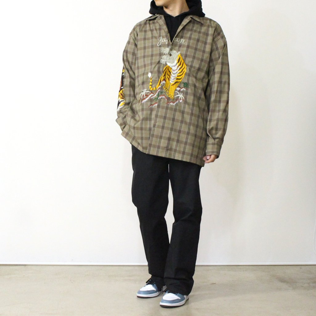 BITING EMBROIDERY SHIRT #BEIGE