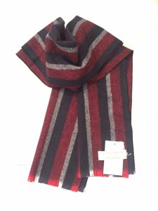 <img class='new_mark_img1' src='//img.shop-pro.jp/img/new/icons8.gif' style='border:none;display:inline;margin:0px;padding:0px;width:auto;' />LOCHCARRON STRIPE SCARF