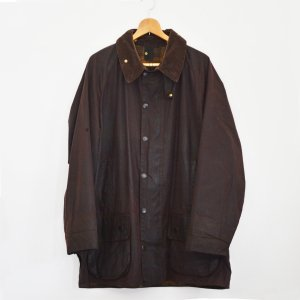 <img class='new_mark_img1' src='https://img.shop-pro.jp/img/new/icons8.gif' style='border:none;display:inline;margin:0px;padding:0px;width:auto;' />Barbour BEAUFORT (BROWN)