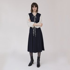 Alexa Chung / MIDNIGHT PINAFORE DRESS