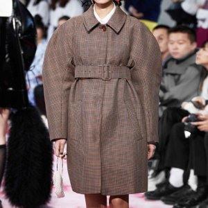 <img class='new_mark_img1' src='//img.shop-pro.jp/img/new/icons8.gif' style='border:none;display:inline;margin:0px;padding:0px;width:auto;' />SHUSHU/TONG - Belted Check Coat