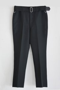 <img class='new_mark_img1' src='https://img.shop-pro.jp/img/new/icons8.gif' style='border:none;display:inline;margin:0px;padding:0px;width:auto;' />TEDDY BELTED SLACKS-Matte Black