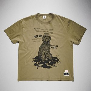 <img class='new_mark_img1' src='https://img.shop-pro.jp/img/new/icons8.gif' style='border:none;display:inline;margin:0px;padding:0px;width:auto;' />KIDILL x EDWIN-POODLE PRINT TSHIRTS (KHAKI)