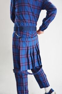 <img class='new_mark_img1' src='https://img.shop-pro.jp/img/new/icons8.gif' style='border:none;display:inline;margin:0px;padding:0px;width:auto;' />PEEL&LIFT-BONDAGE TROUSERS MODERN  WITH KILT(BLUE)