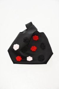 <img class='new_mark_img1' src='https://img.shop-pro.jp/img/new/icons41.gif' style='border:none;display:inline;margin:0px;padding:0px;width:auto;' />SHUSHU/TONG - Knit Flower Bag