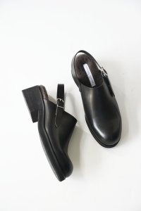 <img class='new_mark_img1' src='https://img.shop-pro.jp/img/new/icons41.gif' style='border:none;display:inline;margin:0px;padding:0px;width:auto;' />BEAUTIFUL SHOES / SINGLE BELT CLOGS with FUR by TOSHINOSUKE TAKEGAHARA