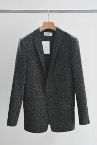 <img class='new_mark_img1' src='https://img.shop-pro.jp/img/new/icons8.gif' style='border:none;display:inline;margin:0px;padding:0px;width:auto;' />TEDDY- Leopard Tweed  Dylan Jacket
