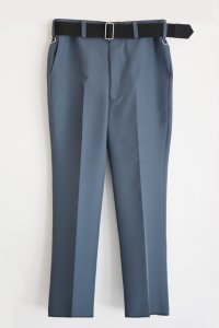 <img class='new_mark_img1' src='https://img.shop-pro.jp/img/new/icons8.gif' style='border:none;display:inline;margin:0px;padding:0px;width:auto;' />TEDDY BELTED SLACKS-Concrete Grey
