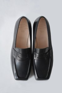 <img class='new_mark_img1' src='https://img.shop-pro.jp/img/new/icons8.gif' style='border:none;display:inline;margin:0px;padding:0px;width:auto;' />foot the coacher - Square Loafer