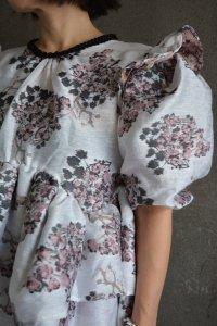 <img class='new_mark_img1' src='https://img.shop-pro.jp/img/new/icons8.gif' style='border:none;display:inline;margin:0px;padding:0px;width:auto;' />DREAM sister jane London - Celandine Jacquard Oversized Mini Dress