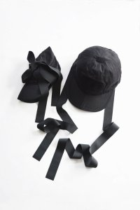 <img class='new_mark_img1' src='https://img.shop-pro.jp/img/new/icons8.gif' style='border:none;display:inline;margin:0px;padding:0px;width:auto;' />TEDDY / FOLDING BOW CAP(BLACK)