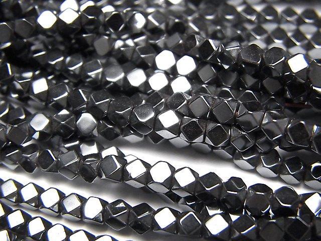 ヘマタイト 小粒キューブカット3×3×3mm  1連(約38cm)