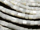 天然石卸 高品質ホワイトシェル(白蝶貝)AAA キューブ4×4×4 半連/1連(約38cm)