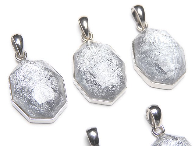 メテオライト(ムオニナルスタ隕石) 八角形型ペンダントトップ16×12×7mm SILVER925製