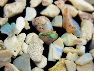 天然石卸 オーストラリア産オパールAA 穴なしチップ(さざれ) 100グラム780円〜!