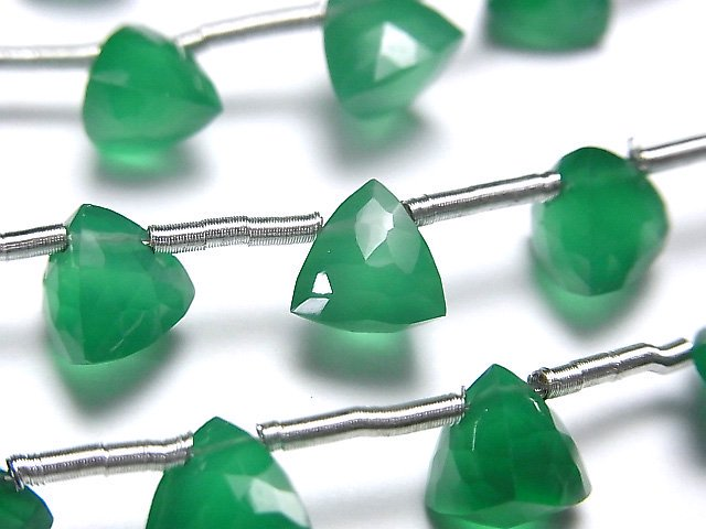 宝石質グリーンオニキスAAA 立体トライアングルカット8×8×8mm 1連(8粒)