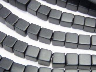 天然石卸 フロストオニキス キューブ6×6×6mm 半連/1連(約38cm)