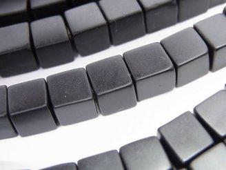 天然石卸 フロストオニキス キューブ8×8×8mm 半連/1連(約38cm)