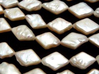 天然石卸 1連1,380円!淡水真珠AAA- ひし形◆ ライトオレンジ 1連(約36cm)