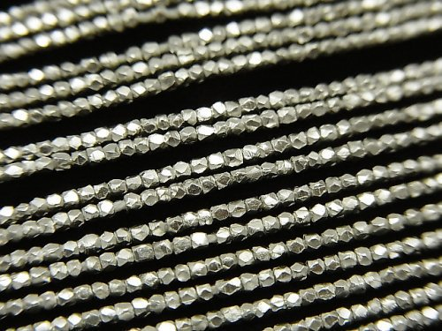 カレンシルバー キューブカット1.2×1.2×1.2mm ホワイトシルバー 1/4連〜1連(約68cm)