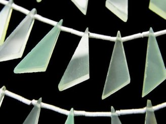 天然石卸 1連1,280円!宝石質ライトグリーンカルセドニーAAA フラット トライアングル20×6×3mm 1連(8粒)