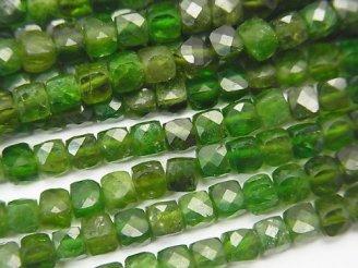 天然石卸 素晴らしい輝き!クロムダイオプサイドAA+ キューブカット4×4×4mm 半連/1連(約37cm)