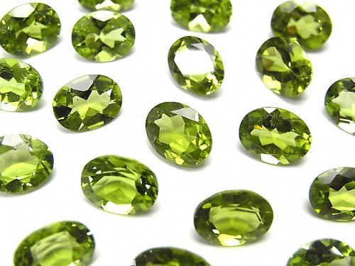 宝石質ペリドットAAA 穴なしオーバルファセットカット9×7mm 2粒の画像
