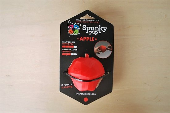 TREAT PLAY TOY APPLE