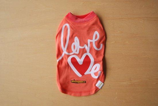 アウトラスト love me Tシャツ ピンク