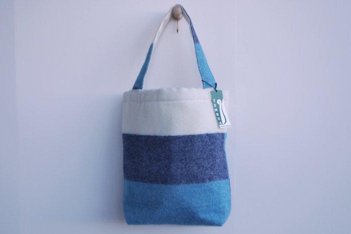 TEMBEA BAGUETTE TOTE BLUE/NAVY