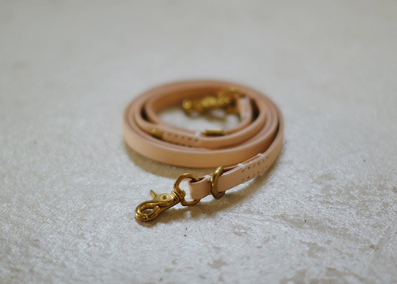 SMOOTH LEATHER LEASH / Natural - we original -