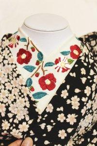 椿の刺繍半襟