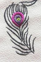 孔雀柄刺繍半襟