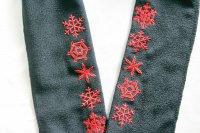 赤い雪の結晶柄 刺繍半襟