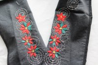 ポインセチアの刺繍半襟
