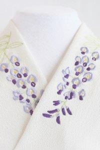 薄紫の風に揺れる藤の刺繍半襟