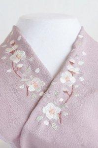 枝付き桜が舞い散る半襟