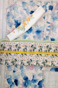 ほっこり可愛い豪華なマーガレット刺繍を全面に使用した半幅帯