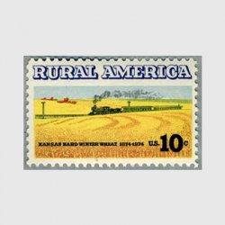 アメリカ 1974年小麦畑を走る汽車