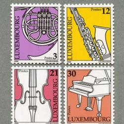 ルクセンブルグ 2000年楽器4種