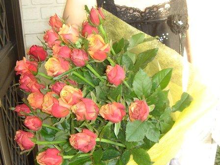 色お任せ国産大輪ばら30本の花束6,000円一部地域は送料無料