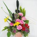 バラと季節の花のお任せお正月フレッシュアレンジ5000円
