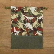 巾着 27×20 迷彩風恐竜柄 給食袋